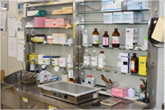 内用薬保管棚
